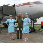 comet-stewardesses
